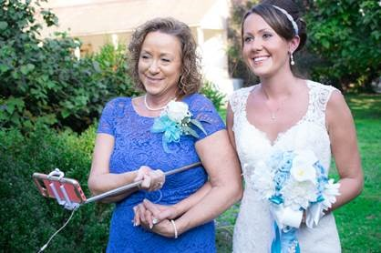 Mom walks daughter down the aisle at wedding