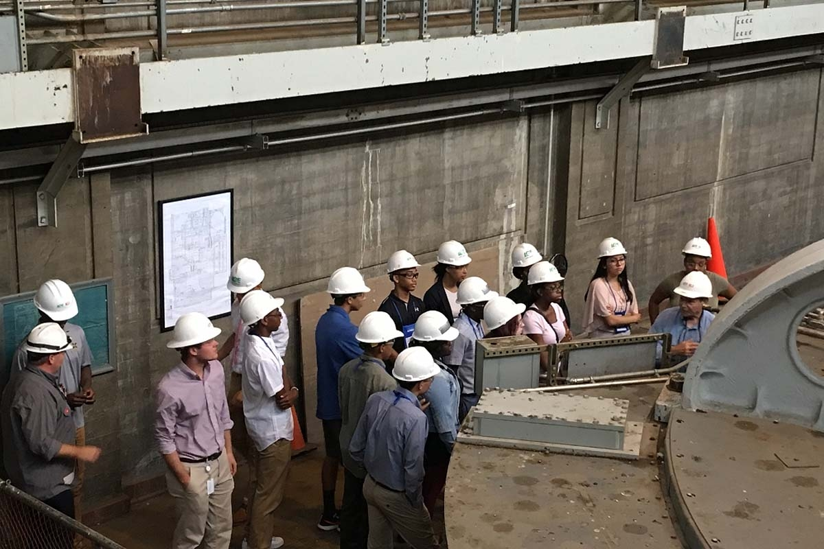 Students tour Ohio Falls Generating Station in Louisville